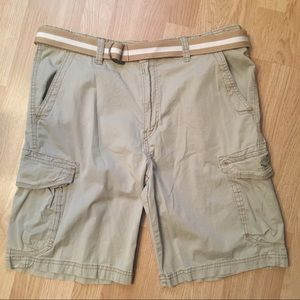 Union Bay cargo shorts with belt